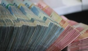 Can Nigeria print money to solve its problems?
